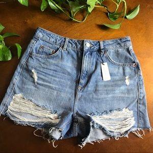 {TOPSHOP} NWT Moto Mom Distressed Jean Shorts